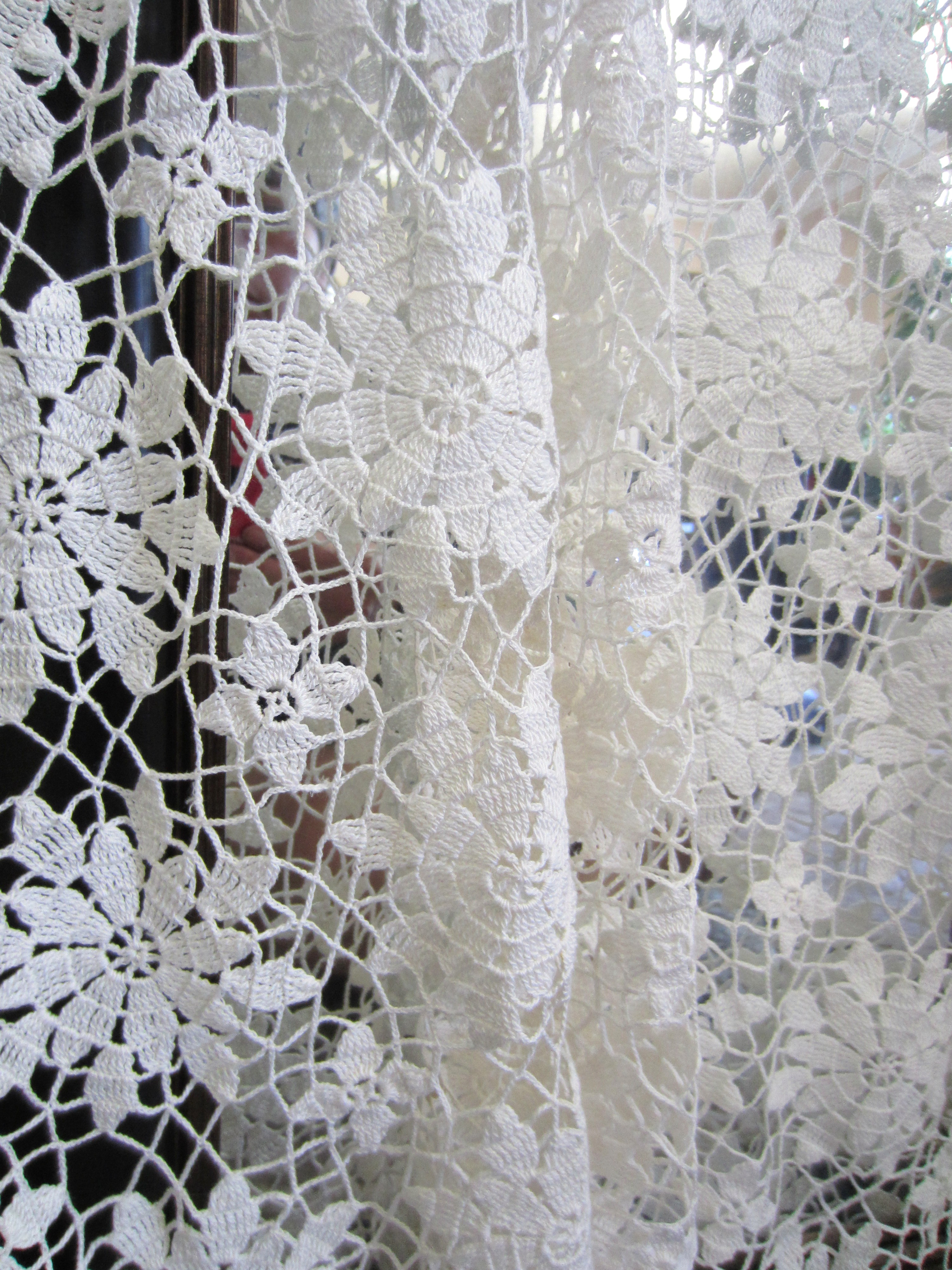 My Grandmother\'s Crochet . . . Floral Motif Tablecloth | G-Ma ...