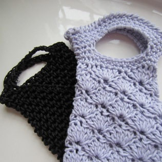 The lavender tote is made with a fantastic organic cotton yarn.