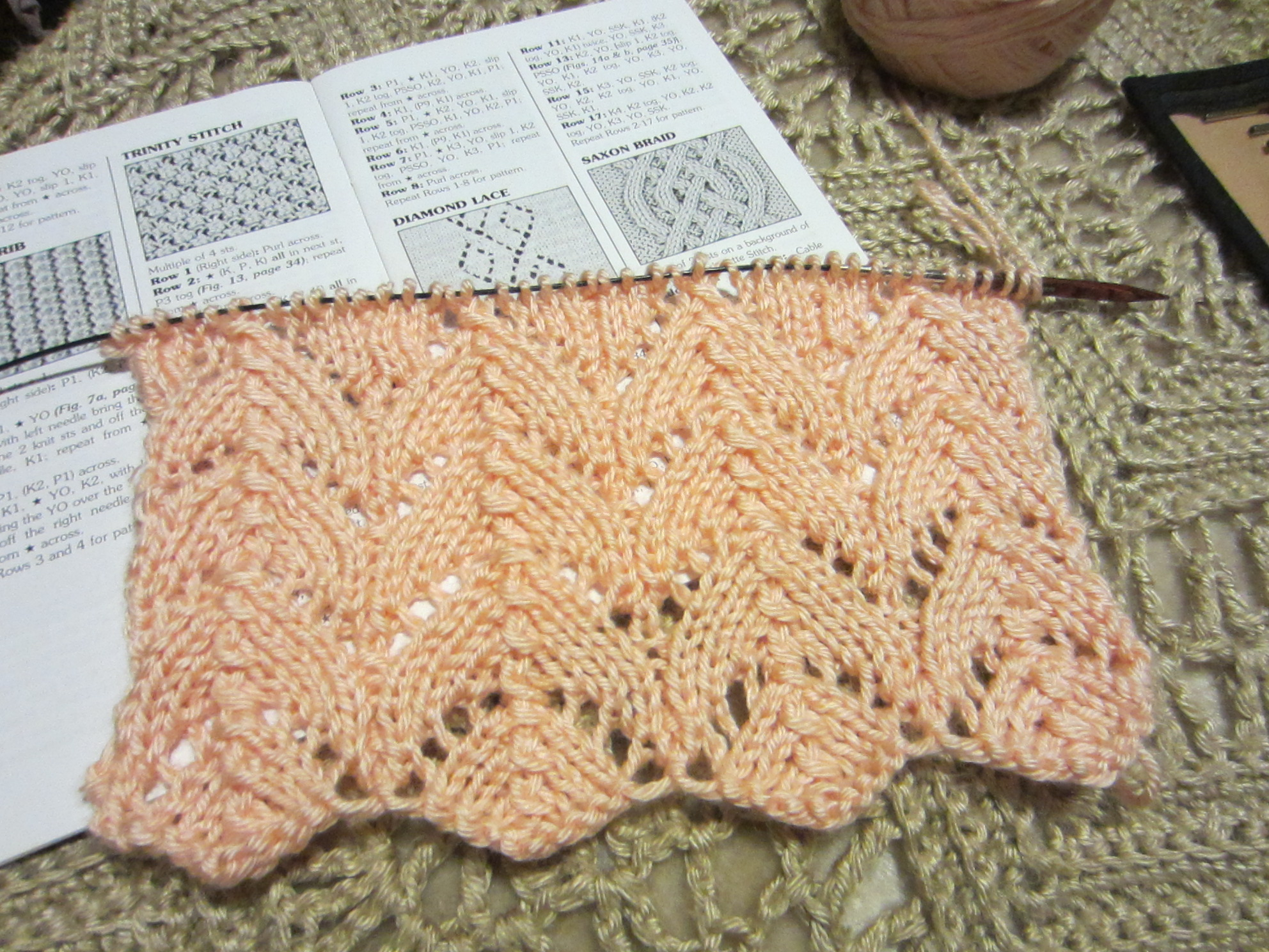 Along My Journey, Learning to Knit Lace . . . the Horseshoe Print, and more. ...