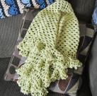 ruffle border, crochet library, granny scarf, green, shawlette 012