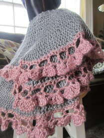 grey, purple pink, potato chip scarf, short rows, knitting 020